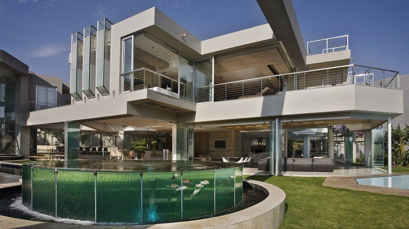 Glass-House-02-800x449