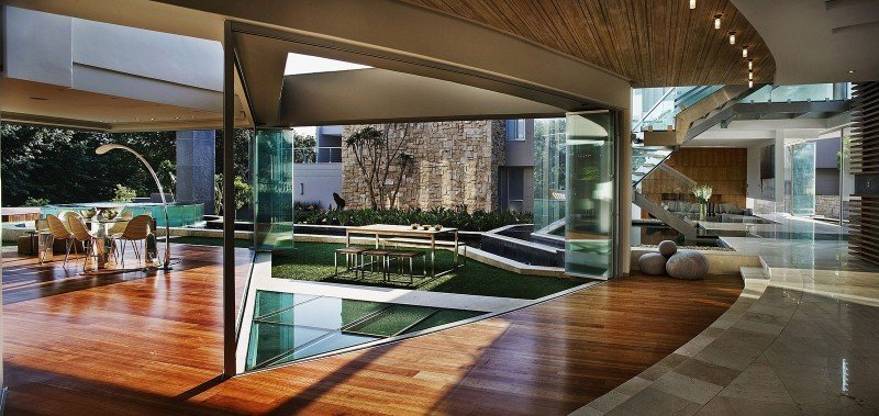 Glass-House-08-1-800x379