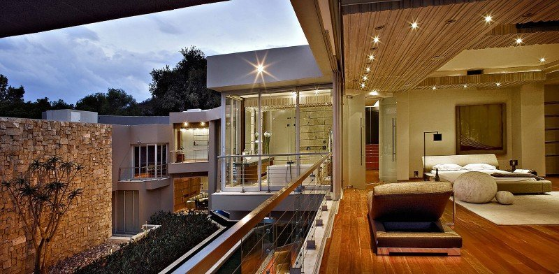 Glass-House-26-800x392