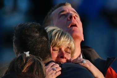 Sandy-Hook-Connecticut-school-shooting-22-jpg
