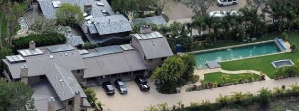 Superior Nicki Minaju0027s Malibu Monster House Cost Her $11.8 Million. The Huge  Property Is Just Breathtaking. Minaju0027s House Has A Large Pool And Five  Garages For Their ...