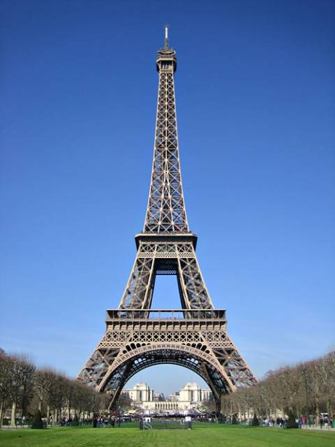 1229290-eiffel_tower_day