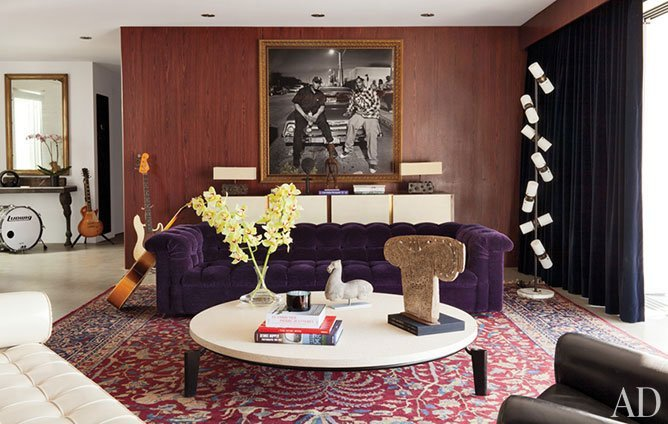 adam-levine-hollywood-hills-home-02-living-room