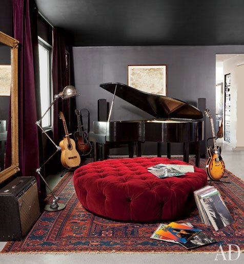 adam-levine-hollywood-hills-home-04-bedroom