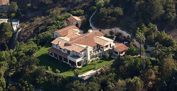 photo: house/residence of cool handsome talented  150 million earning Los Angeles, CA, USA-resident