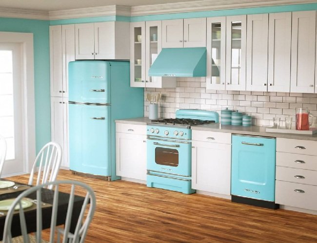 modern-vintage-white-and-blue-style-kitchen-cabinets