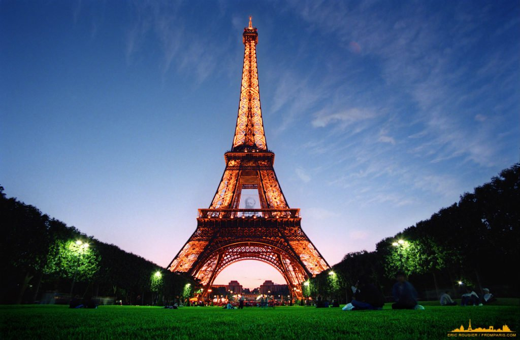 wallpaper_fromparis_eiffel_tower_1280