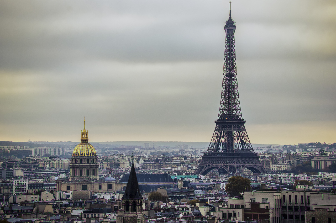 Eiffel Tower - Paris (France) - World for Travel
