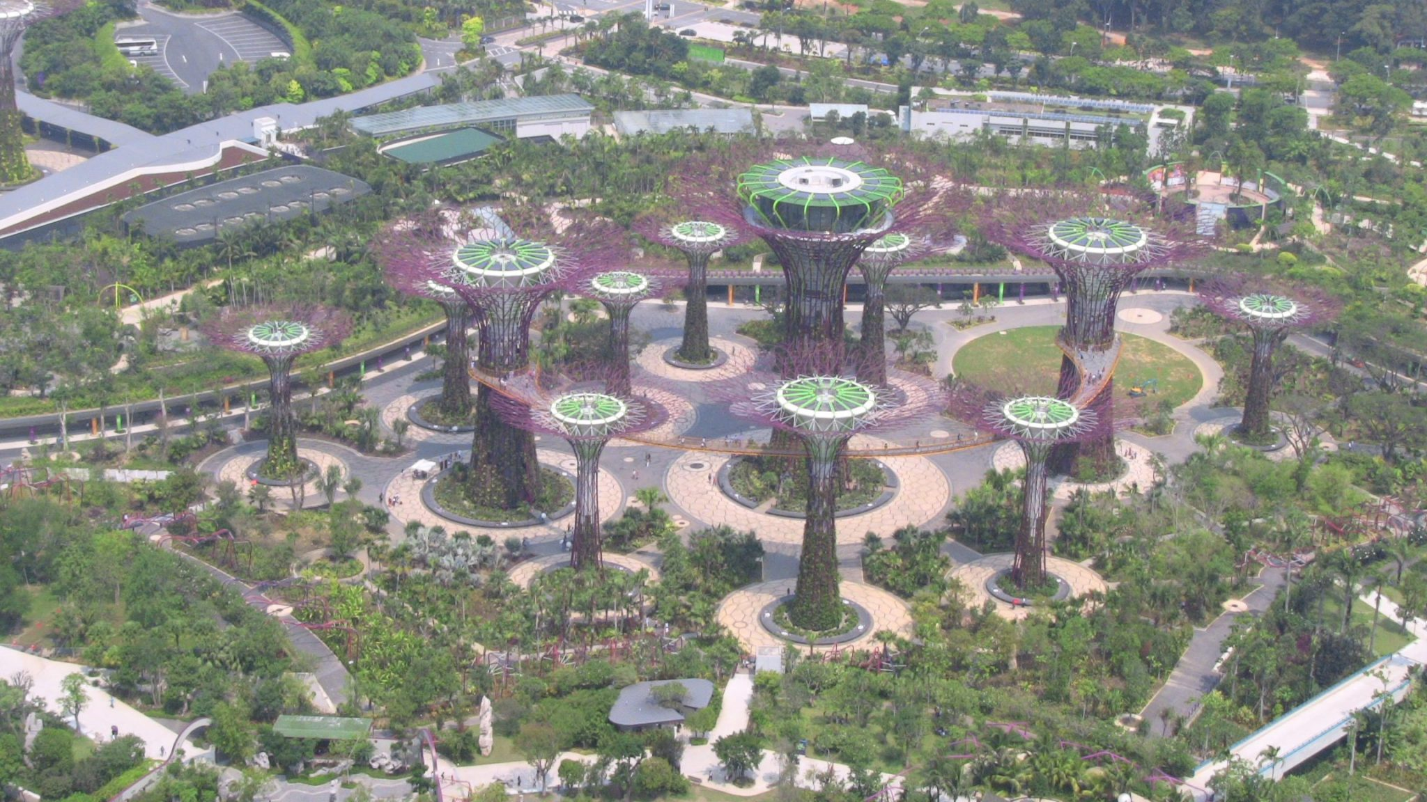 Gardens_by_the_bay_Singapore_Aerial_View