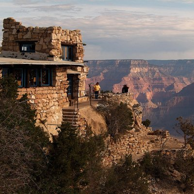 Source: http://img4-3.sunset.timeinc.net/i/2009/08/national-parks/Grand-Canyon/Lookout-Studio-building-l.jpg?400:400