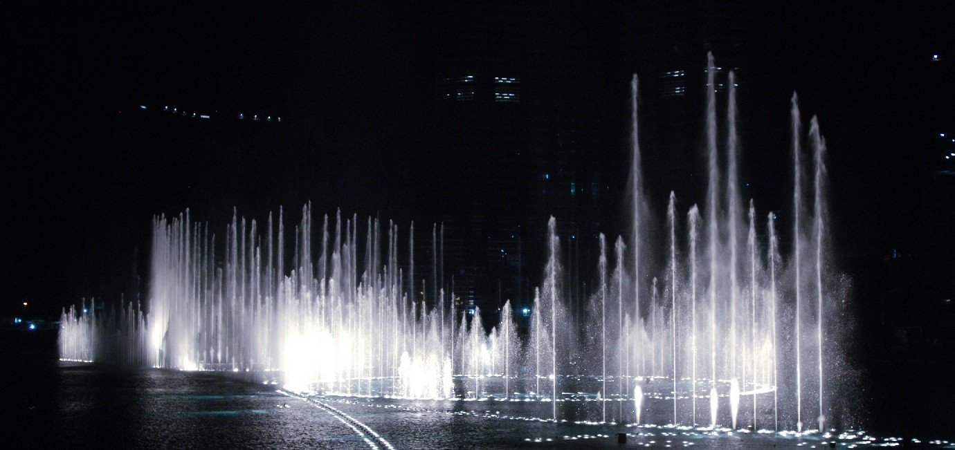 The Dubai Fountain 1_tcm87-23478