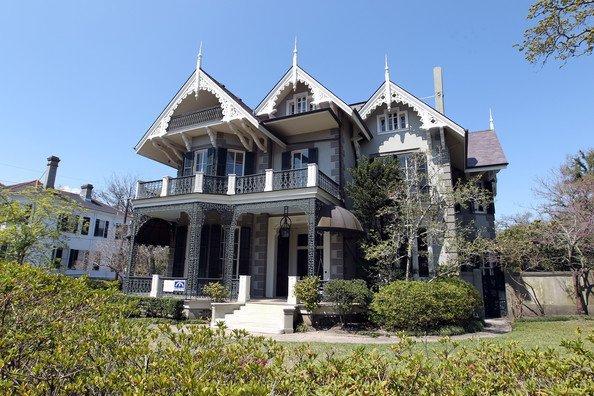 Sandra-Bullocks-Gothic-Victorian-mansion