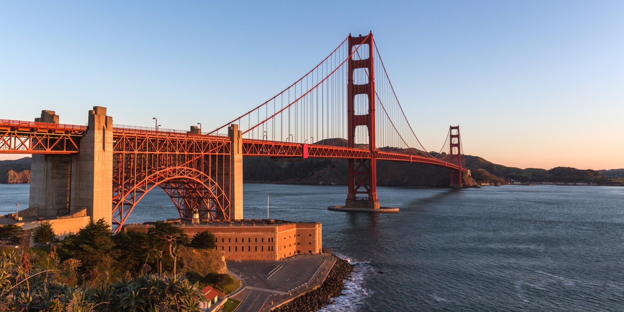 GATE Facebook: Why The Golden Gate Bridge Is An Engineering Marvel