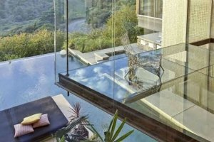 7Justin-Bieber-Hollywood-Hills-Home-300x200