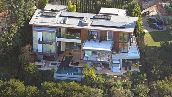 Ashton Kutcher And Mila Kunis Bought $10,000,000 House
