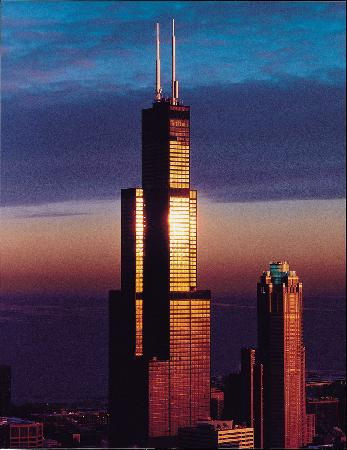 willis-tower-at-sunset