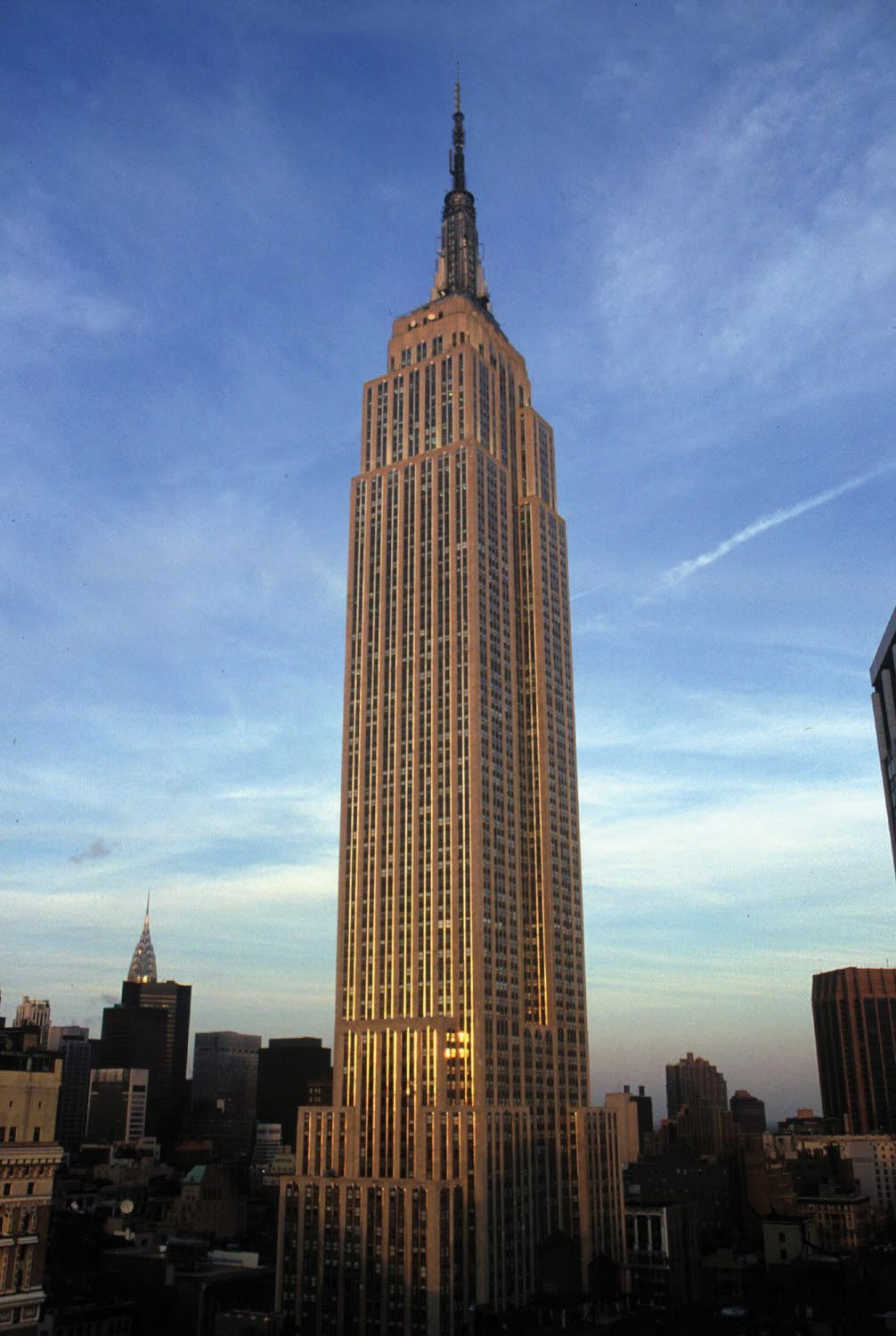 The History and Architecture of the Empire State Building ...