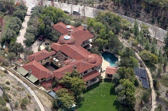 Arnold-Schwarzenegger-Villa-pool