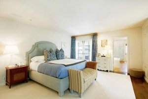 Emma-Stone-Andrew-Garfield-new-home-Beverly-Hills11-300x200