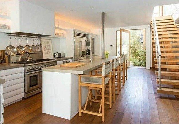 Pamela-Andersons-Malibu-Beach-House-listing-1