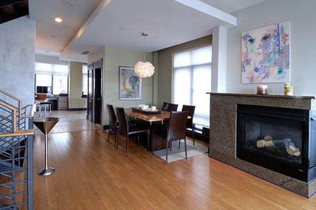 Michael Phelps' condo for sale
