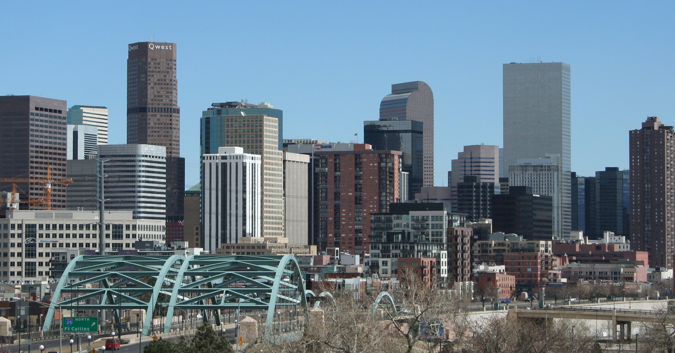 2006-03-26_Denver_Skyline_I-25_Speer