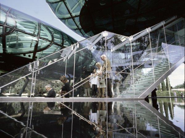 the-futuristic-architectural-design-of-the-nardini-grappa-distillery-5