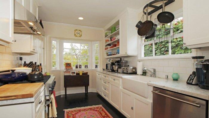 owen-wilson-kitchen