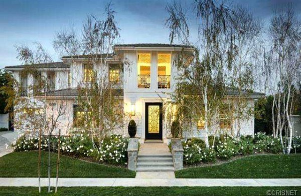 Kourtney-Kardashian-and-Scott-Disicks-house-for-sale-Calabasas-CA1