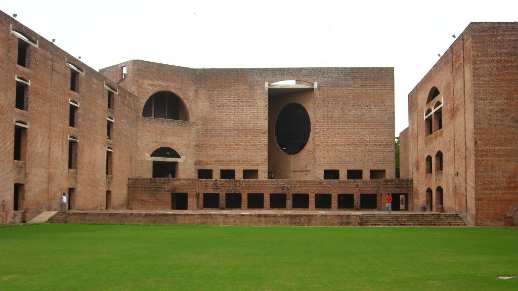 Louis_Kahn_Plaza