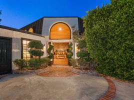 robin-thicke-sunset-strip-house-016-480w