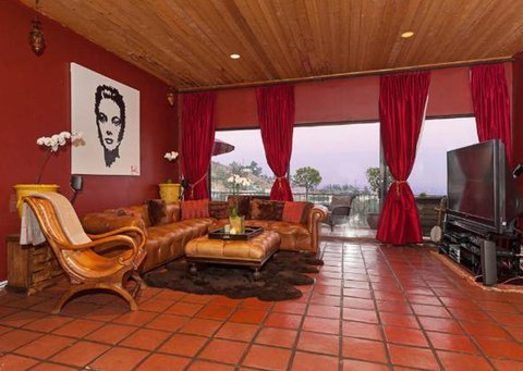 robin-thicke-sunset-strip-house-019-480w