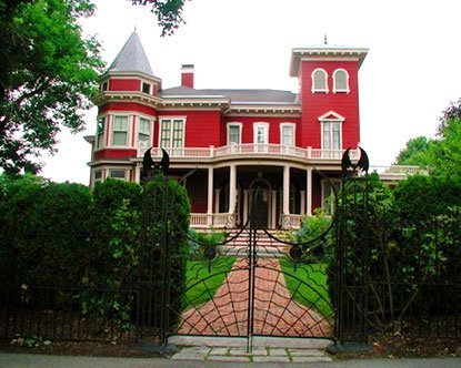 maine-stephen-king-house