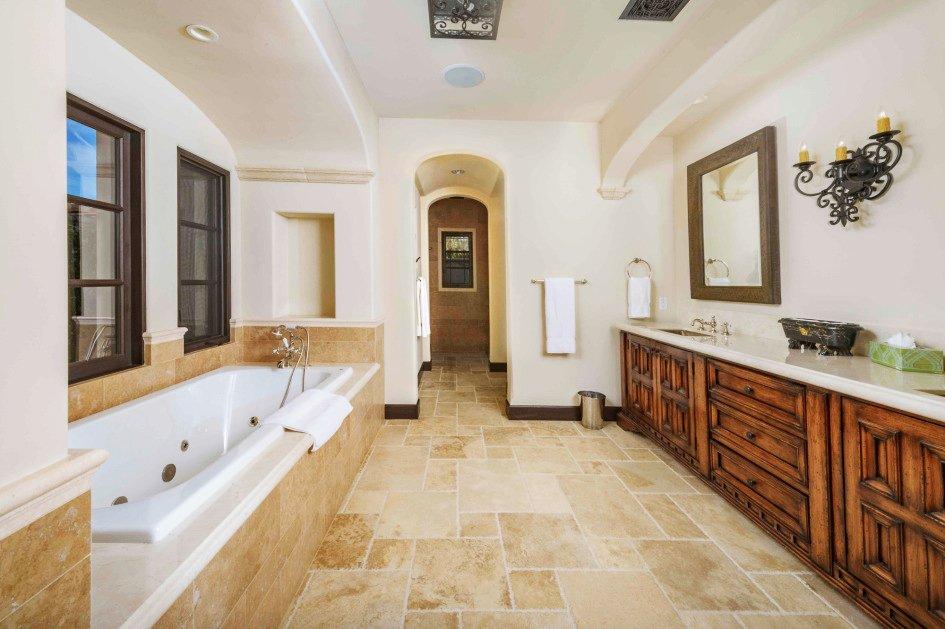 Sylvester-Stallone-La-Quinta-Home-Master-Bath