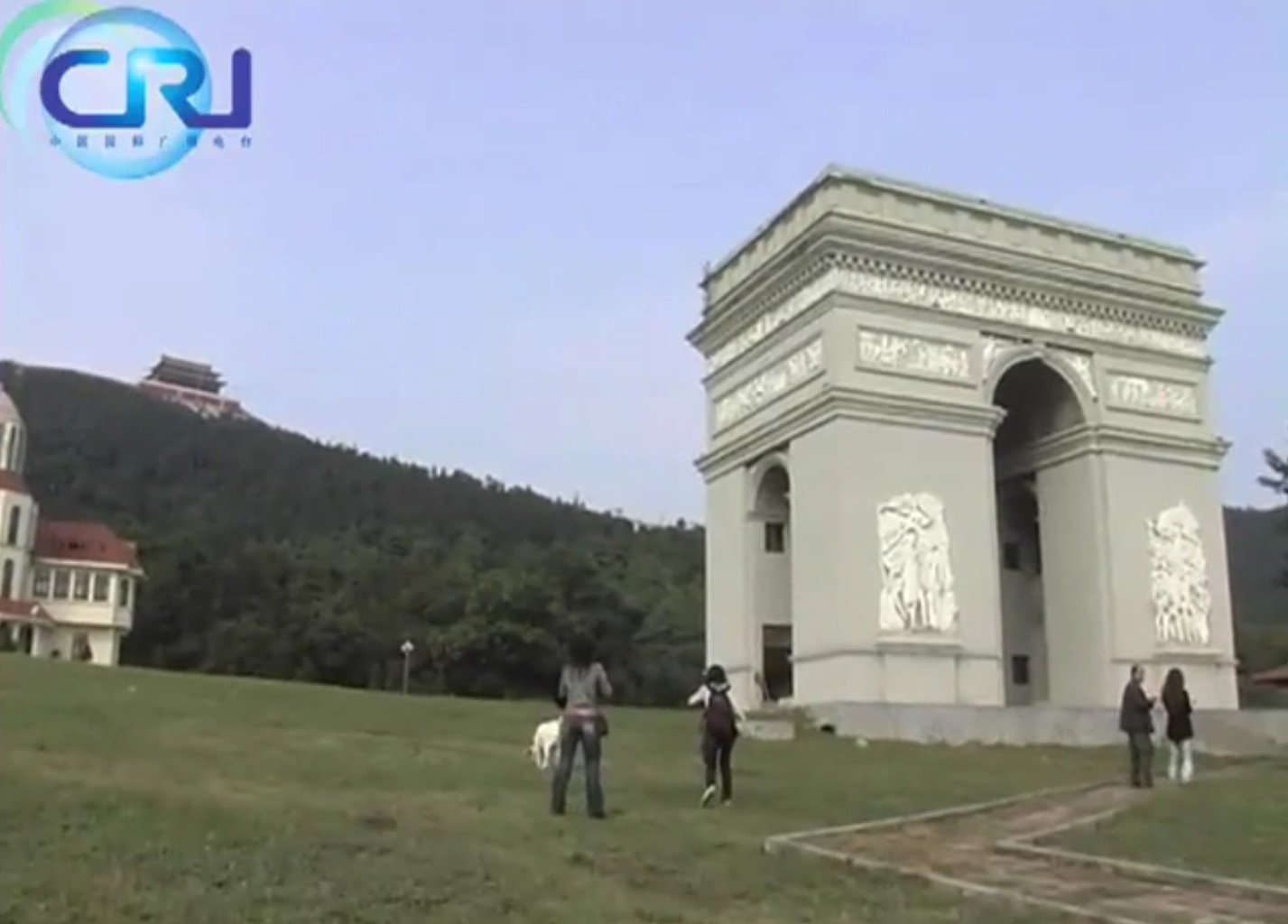 this-chinese-village-is-so-rich-it-built-a-fake-great-wall-and-arc-de-triomphe
