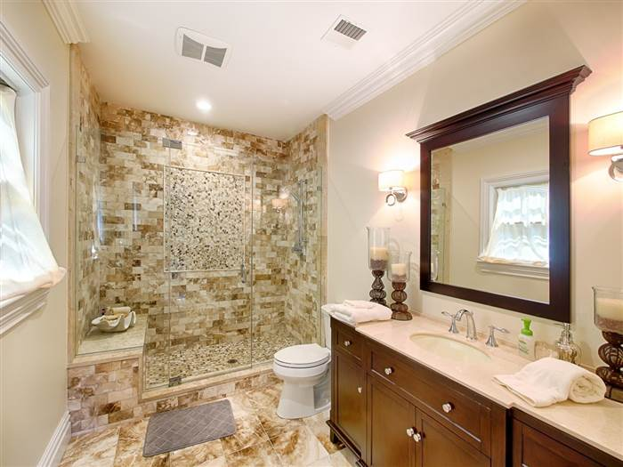 kevin-jonas-bathroom-today-160719_33db7259b31ce1bae0fbadbde6ab7339.today-inline-large