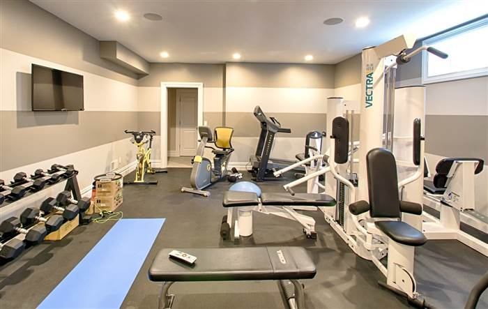 kevin-jonas-gym-today-160719_7ca0eaddef6cfef6c188ba17b3d0be45.today-inline-large