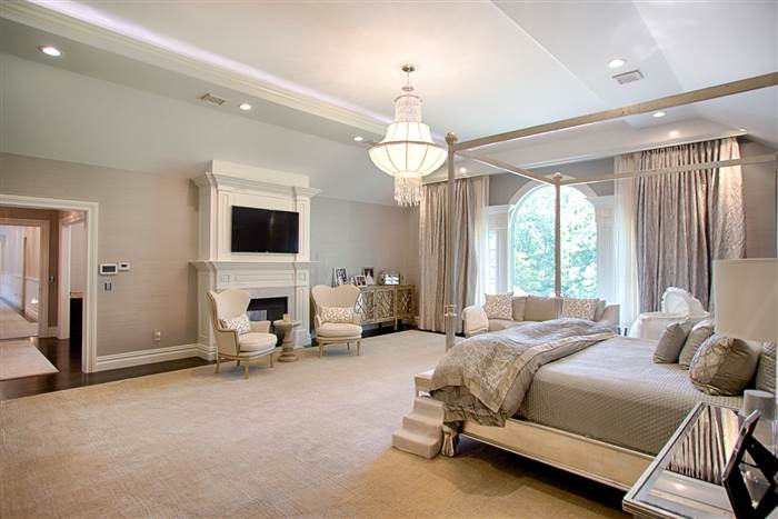 kevin-jonas-master-bedroom-today-160719_2391fb1e1cacb22b3bea732bdc3fa311.today-inline-large