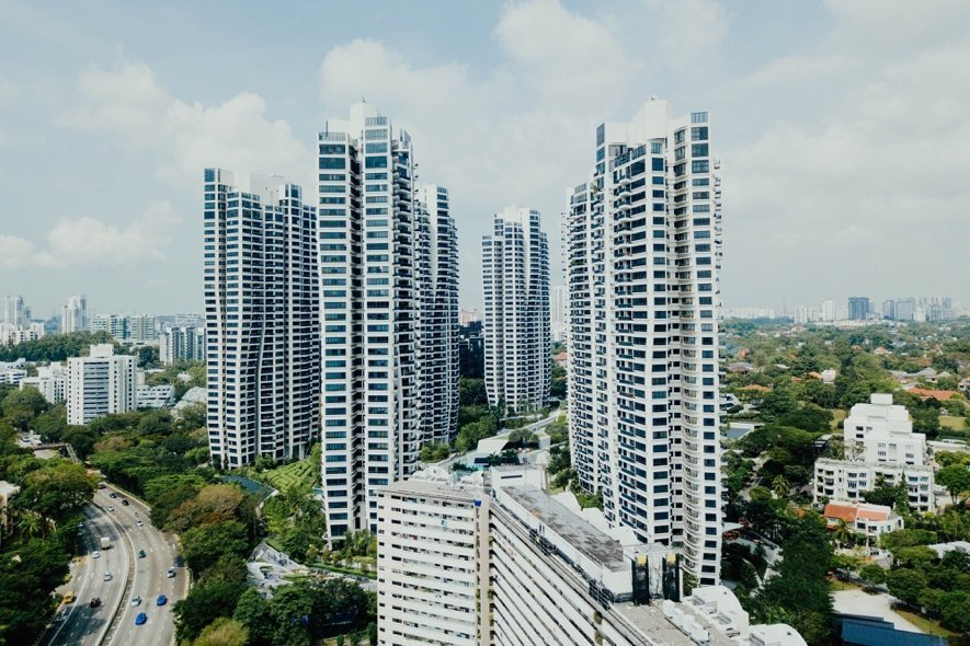 A picture containing sky, outdoor, building, city Description automatically generated