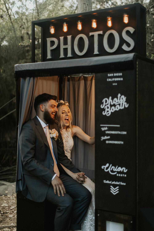 vintage+style+wedding+photo+booth+los+angeles.jpg